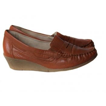 Туфли кожаные на танкетке женские CAPRICE 38 размер