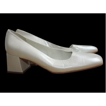 Женские перламутровые кожаные туфли LUCIE 38 размер
