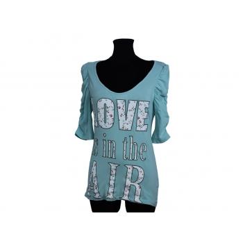 Женская голубая футболка LOVE IS IN THE AIR