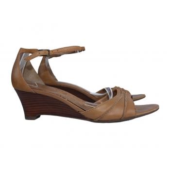 Женские кожаные босоножки CLARKS 39 размер