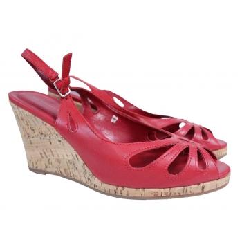 Женские красные кожаные босоножки 38 размер