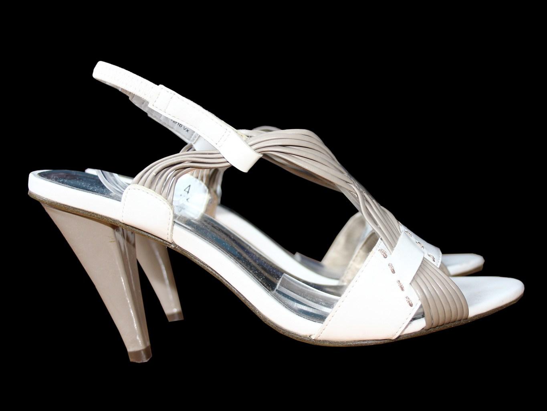 Женские белые босоножки MARKS & SPENCER 36 размер