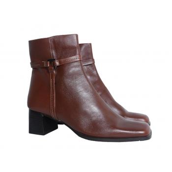 Женские коричневые кожаные ботинки 37 размер