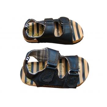Детские кожаные босоножки сандалии на 2-3 года