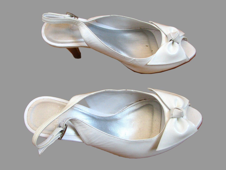 Женские белые босоножки CARVELA 37 размер