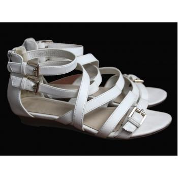 Белые женские босоножки 37 размер