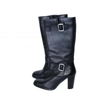 Женские черные кожаные сапоги 37 размер