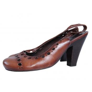 Женские кожаные босоножки KG 36 размер